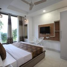 OYO 9732 Amar Motel in Chandigarh