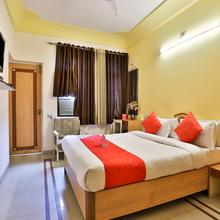 OYO 9751 Hotel Vrundavan Residency in Pratapnagar