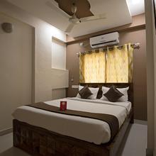 Oyo 9760 Hotel Natraj in Khed