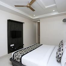 OYO 9919 Nandgiri Palace in Gwalior
