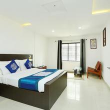 OYO 9932 Hotel Half Moon Residency in Kozhikode