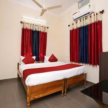 OYO 9964 Hotel Shine in Bhubaneshwar