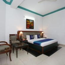 Oyo 9985 Hotel Sekhon Grand in Kartarpur