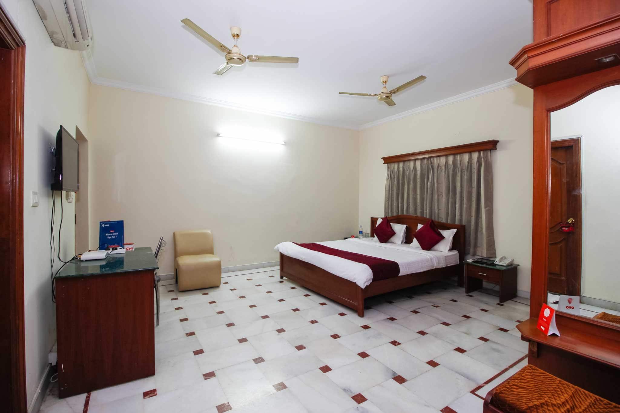 OYO 4048 Apartment Alpine Glow Crest in Akbarnagar