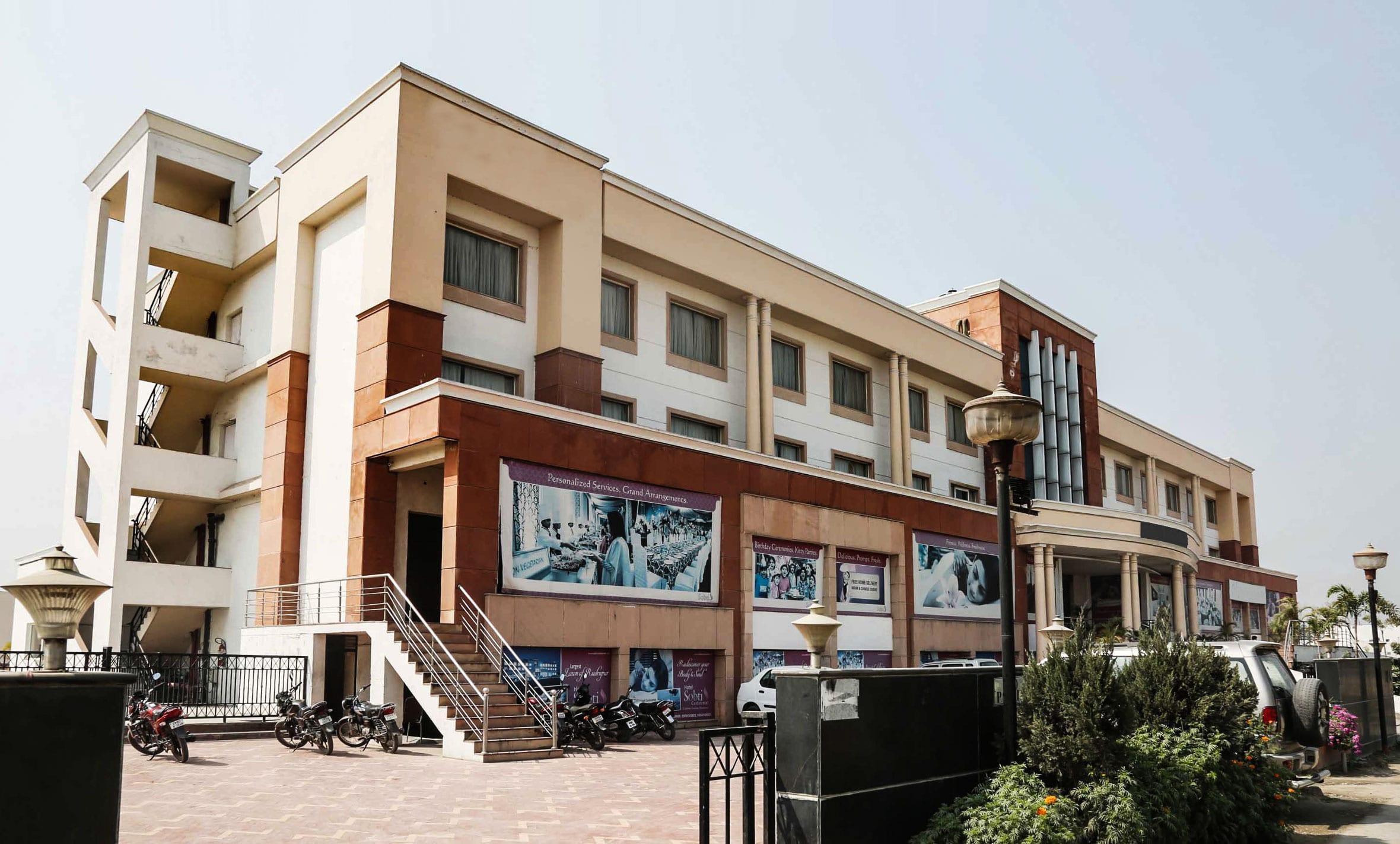 OYO 4476 Hotel Sobti Continetal Rudrapur in Kichha