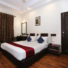 OYO Flagship 113 Golden Temple Road in Amritsar