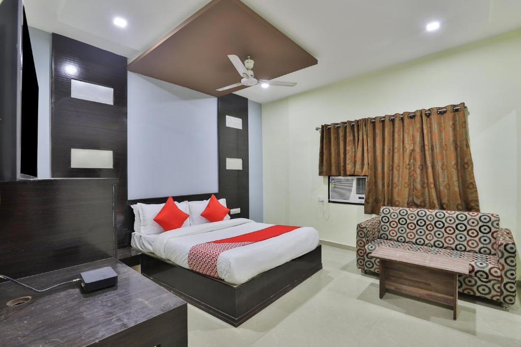 OYO Flagship 19003 Hotel Rudra Mahal in Ahmedabad