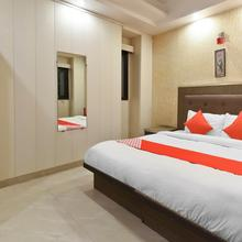 OYO Flagship 23992 Sunrize Hotel in New Delhi