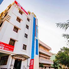 OYO Flagship 24397 Hotel 9 Star Shamshabad in Fatimapur