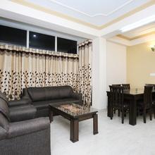 OYO Home 10860 Modern 3bhk in Chail