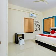 OYO Home 11932 Elegant 2bhk Near Clock Tower in Virajpet