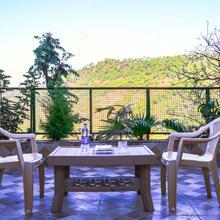 OYO Home 12187 Luxurious 2bhk in Baddi