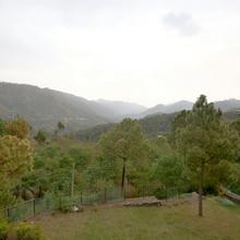 OYO Home 13072 Exotic Villa 3bhk in Kasauli