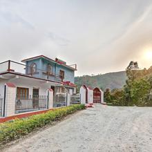 OYO Home 13432 Exotic Villa 2bhk in Mukteshwar