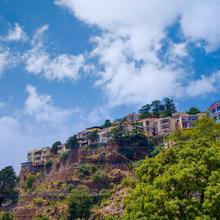 OYO Home 13894 3bhk Skyline Homestay in Dhanaulti
