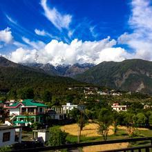 OYO Home 14569 Himalaya View 2 Bhk Kangra in Dharamshala