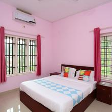 OYO Home 15916 Serene Stay The Morning Dew in Meppadi