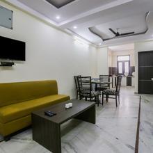 OYO Home 16420 Cosy 2bhk in Dhanakya