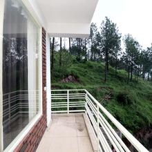 OYO Home 16479 Luxurious 2bhk in Kasauli