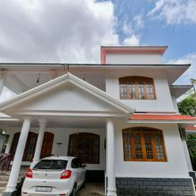 OYO Home 17351 Hill View 3bhk in Meppadi