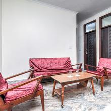 OYO Home 23133 Compact Stay in New Delhi
