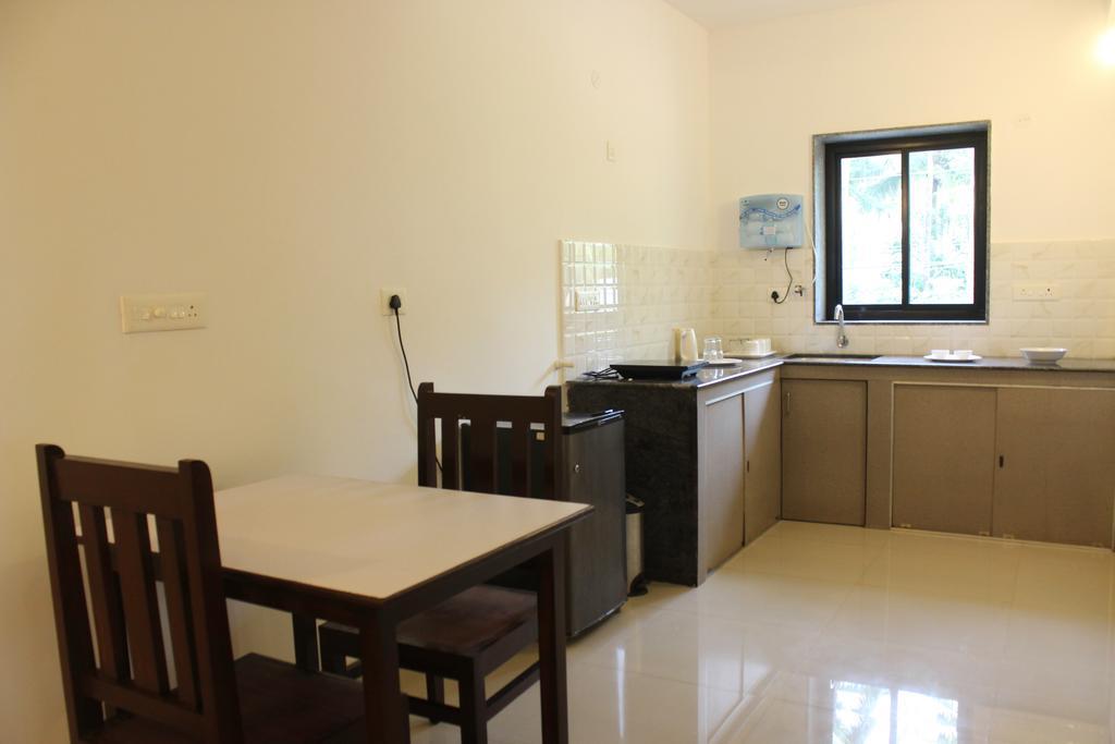 OYO Home 9712 1BHK Elegant Arpora in Verla