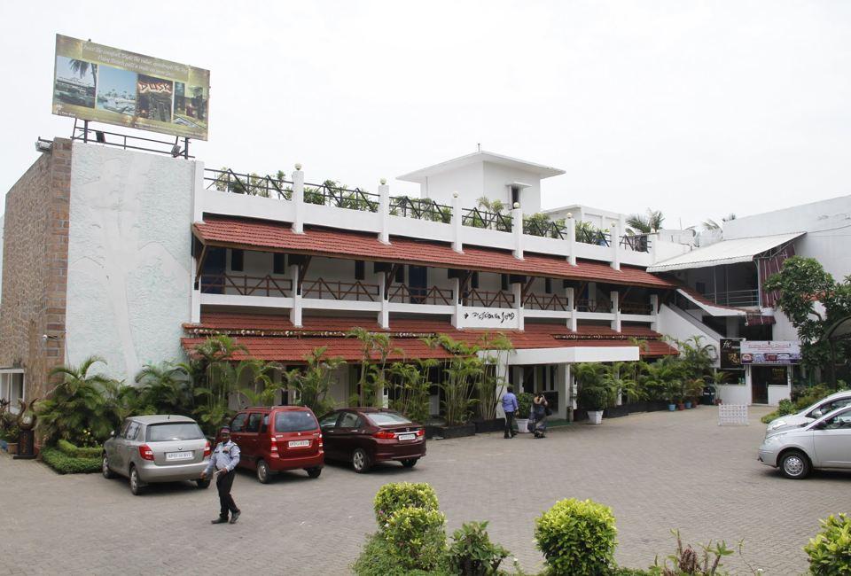 OYO 1094 Palm Beach Hotel in Vishakhapatnam