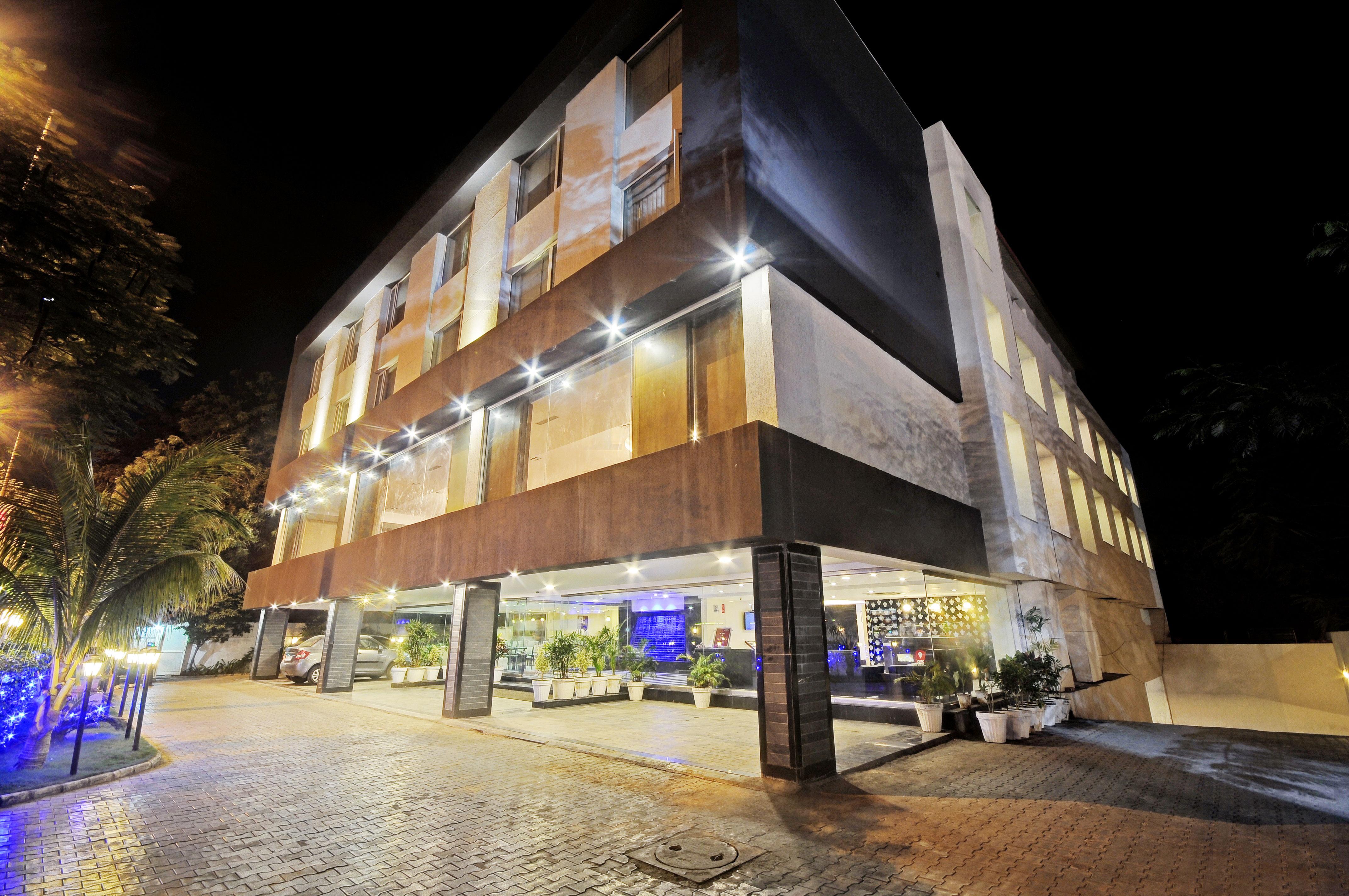 OYO 4666 Hotel Planet Landmark in Sanand