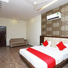Capital O 2855 Hotel Sanskriti Greens in Kashipur