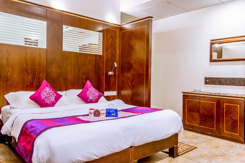 OYO 2101 Hotel Venky Residency in Karapa