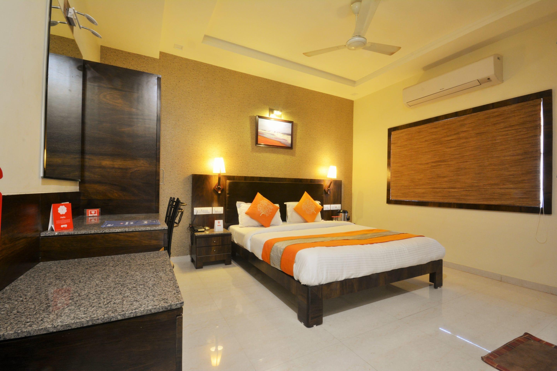 OYO 3165 Hotel Radhe in Okha