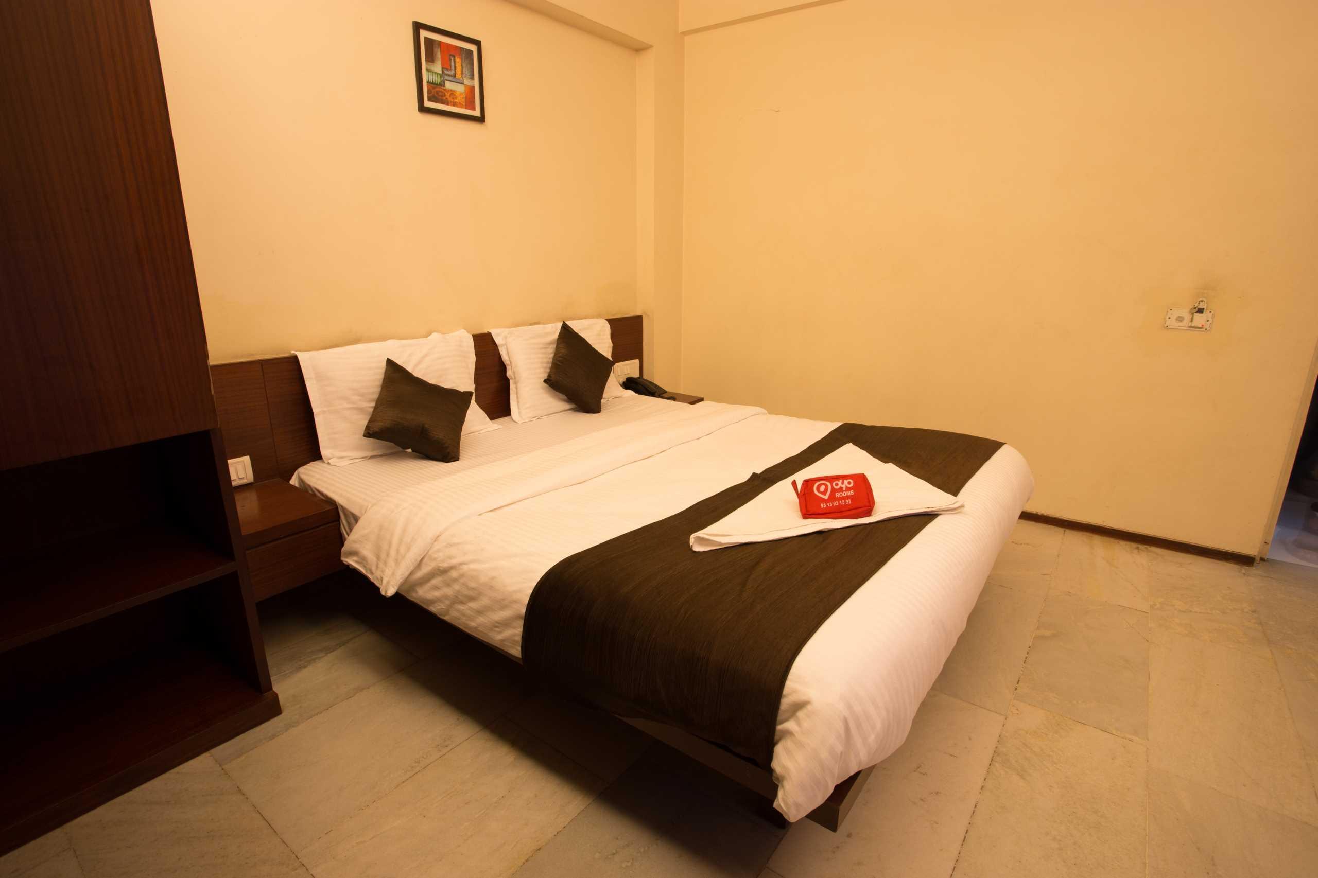 OYO 426 Hotel Executive Residency in Phursungi