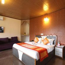 OYO Rooms Hill View Resort Kandaghat in Solan