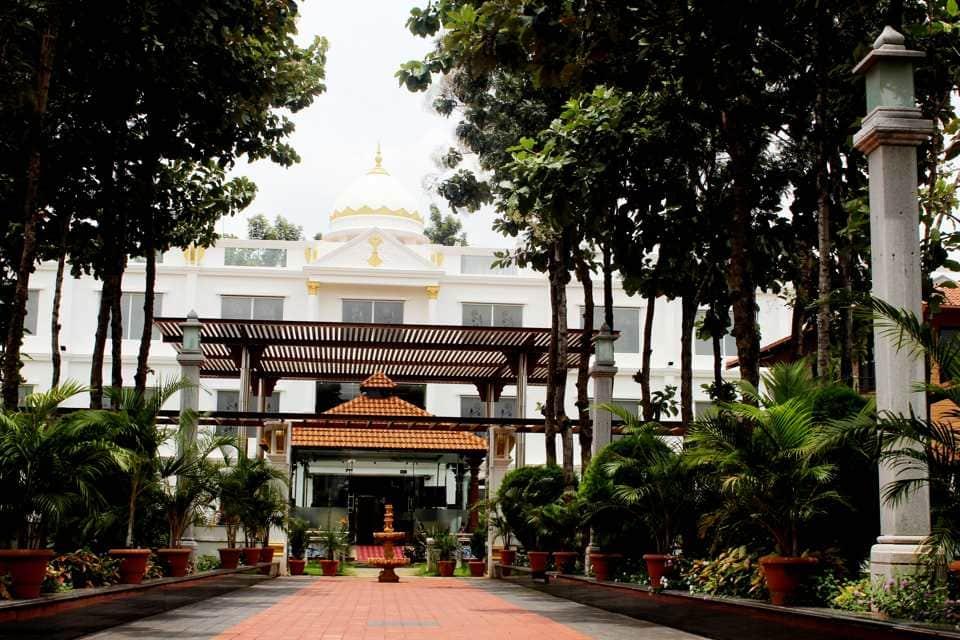 OYO 1872 Hotel Pan Pacific Jal Mahal Resort in Bannur