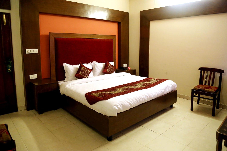 Oyo 5062 Hotel Ranvir Classic in Jalandhar