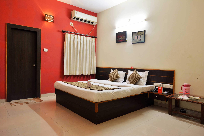 OYO 3876 near Reliance in Jamnagar