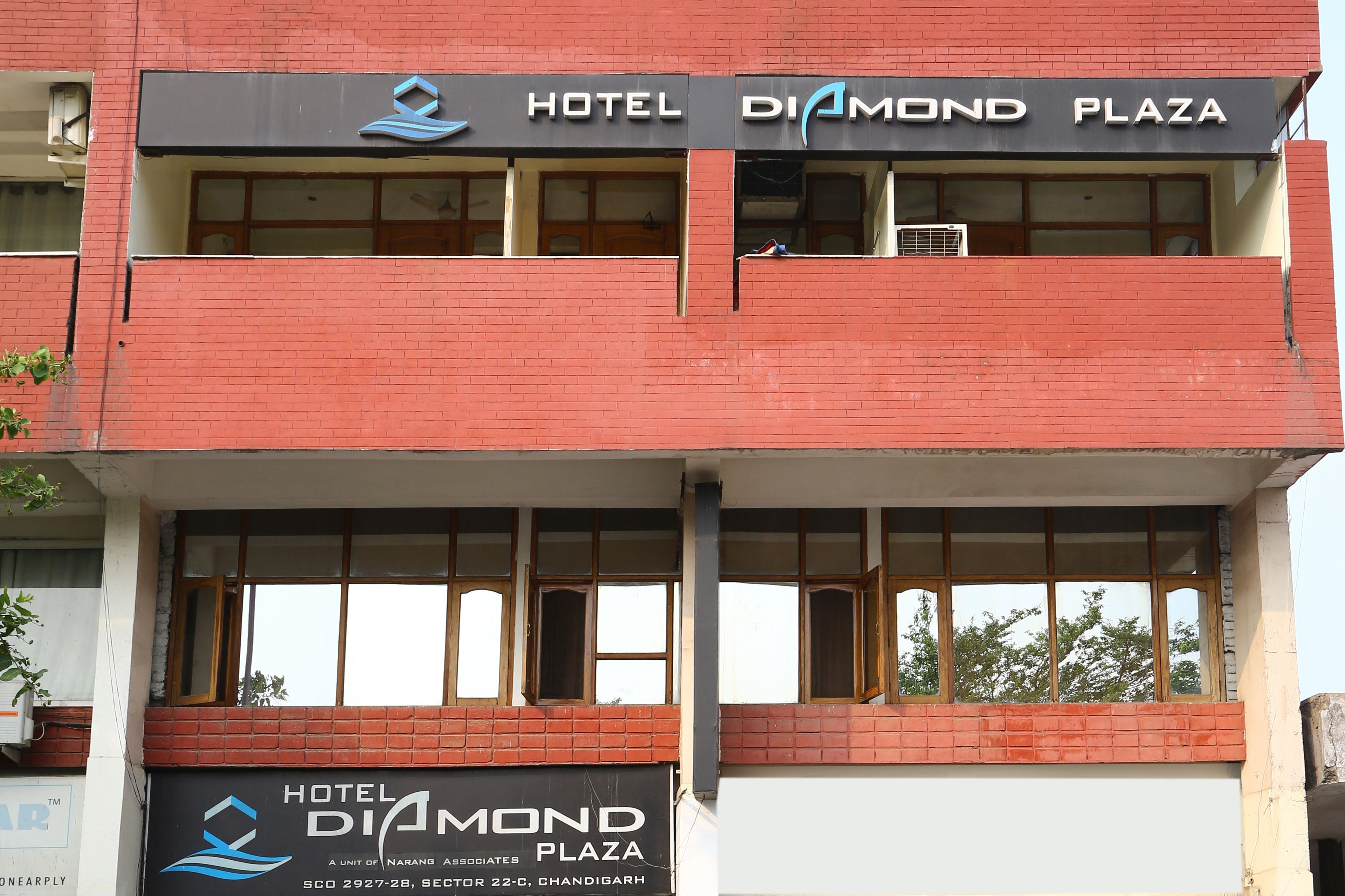 OYO 860 Hotel Diamond Plaza in Chandigarh