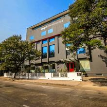 OYO Townhouse 022 Koregaon Park Pune in Chinchvad