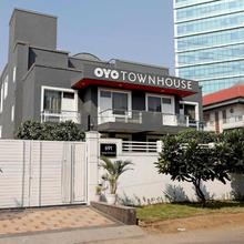 Oyo Townhouse 027 Sector 15 Gurgaon in Gurugram