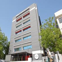 OYO Townhouse 030 Ashram Road Ahmedabad in Ahmedabad
