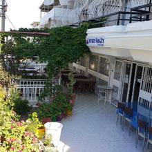 Ozgun Apart Hotel in Kusadasi