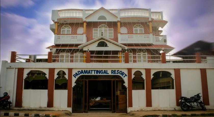 Padamattingal Resort in Perumkulam
