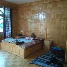 Padma Guest House in Kasol