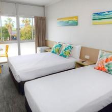Palm Beach Hotel in Gold Coast