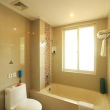 Palm Beach Resort & Spa in Sanya