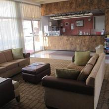 Palm Shadow Inn Motel in Thermal
