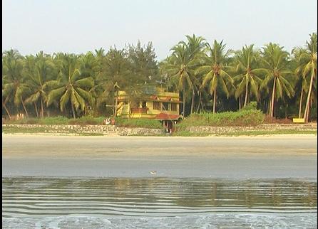 Palm Shore Beach Resort in Panniyannur