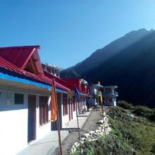 Paradise Holiday Resort in Khir Ganga