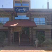 Paradise Inn in Kudal