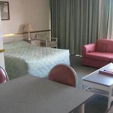 Parklane Motel in Newnham